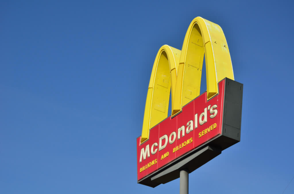 mcdonalds expands globally while adjusting its Sample queries for search mcdonalds essay topics on mcdonalds expands globally while adjusting its local its products, its imagery, and its mcdonalds.
