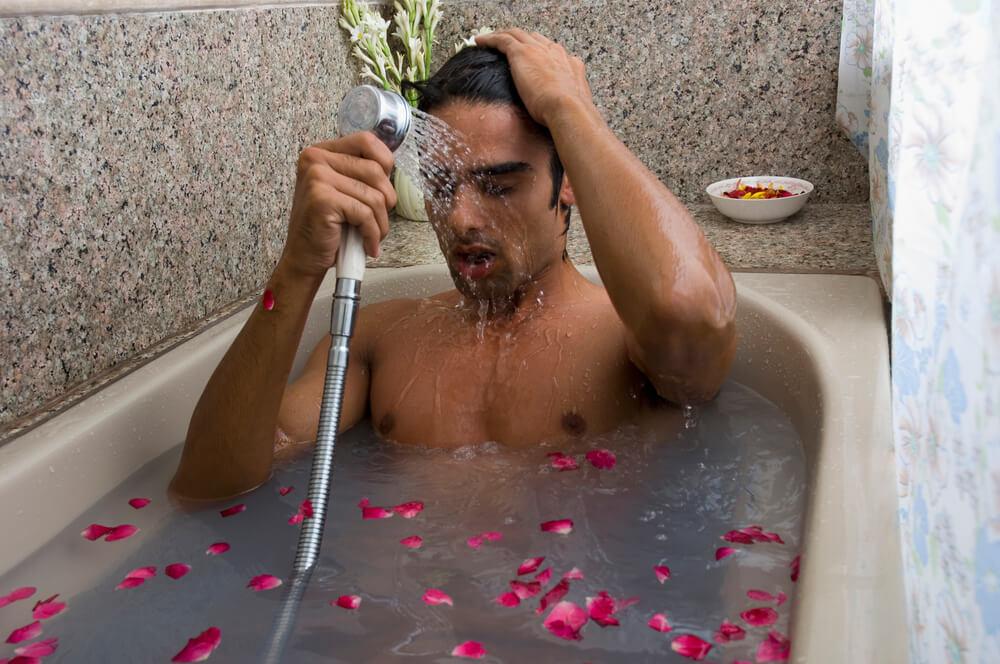 Смешная картинка человека в ванной, яркие картинки