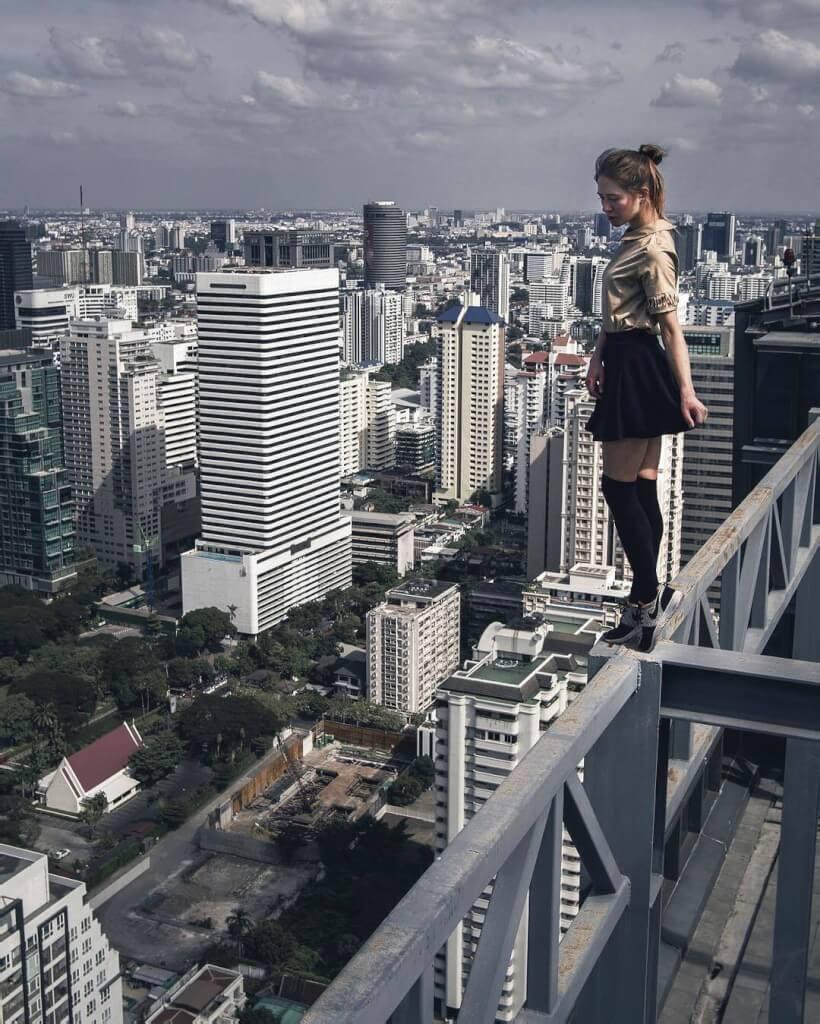 Картинки на высоте девушка, поздравлений мартам картинки